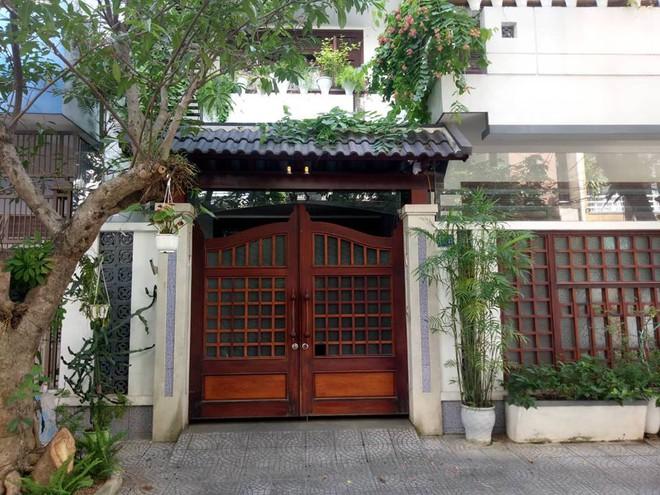 Khám xét nhà riêng nguyên Chánh Văn phòng Thành ủy Đà Nẵng Đào Tấn Bằng - Ảnh 8.