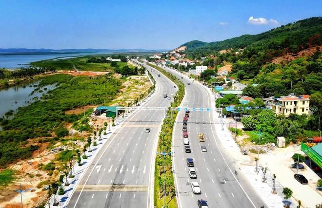 Siêu xe Khủng long Mỹ dẫn đầu đoàn rước dâu hoành tráng ở Quảng Ninh - Ảnh 6.