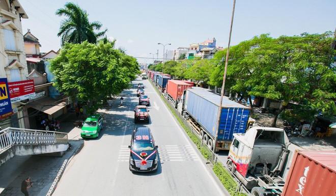 Siêu xe Khủng long Mỹ dẫn đầu đoàn rước dâu hoành tráng ở Quảng Ninh - Ảnh 9.