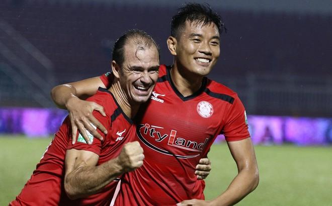 """""""Derby Sài Gòn"""": Rể Việt tỏa sáng, Hải Anh lập hat-trick"""