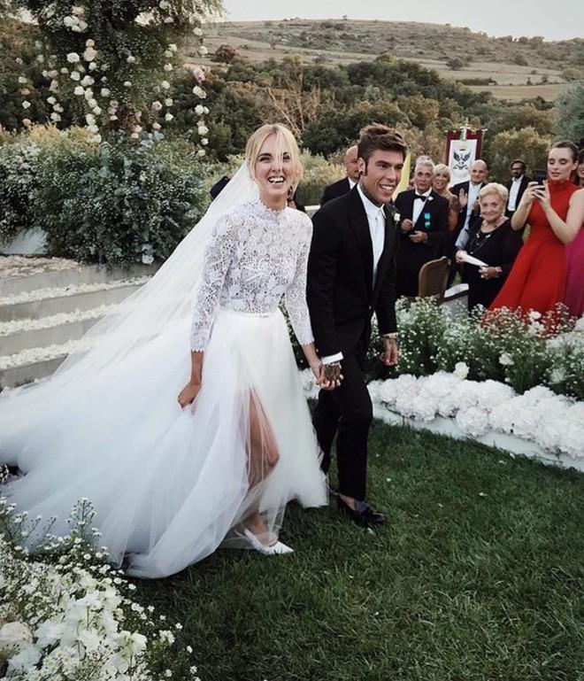 Đám cưới của blogger Chiara Ferragni chính thức diễn ra, khung cảnh lộng lẫy như giấc mơ của mọi cô gái - Ảnh 3.