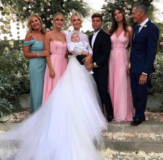 Đám cưới của blogger Chiara Ferragni chính thức diễn ra, khung cảnh lộng lẫy như giấc mơ của mọi cô gái - Ảnh 6.