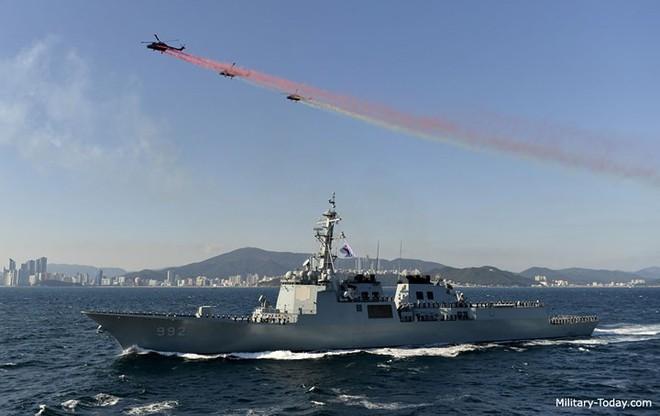 Ảnh: Sức mạnh đáng gờm của tàu khu trục Sejong Đại đế - Ảnh 1.