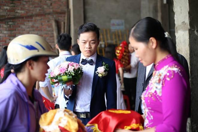 Cận cảnh lễ thành hôn đặc biệt của cô dâu 61 tuổi với chú rể 26 tuổi ở Cao Bằng - Ảnh 6.