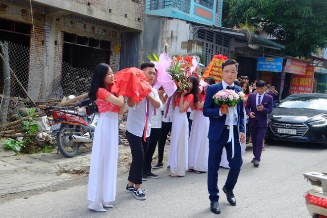 Cận cảnh lễ thành hôn đặc biệt của cô dâu 61 tuổi với chú rể 26 tuổi ở Cao Bằng - Ảnh 3.