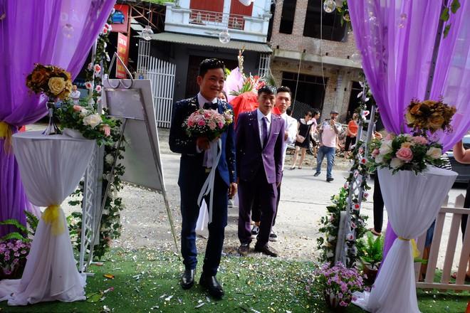 Cận cảnh lễ thành hôn đặc biệt của cô dâu 61 tuổi với chú rể 26 tuổi ở Cao Bằng - Ảnh 5.