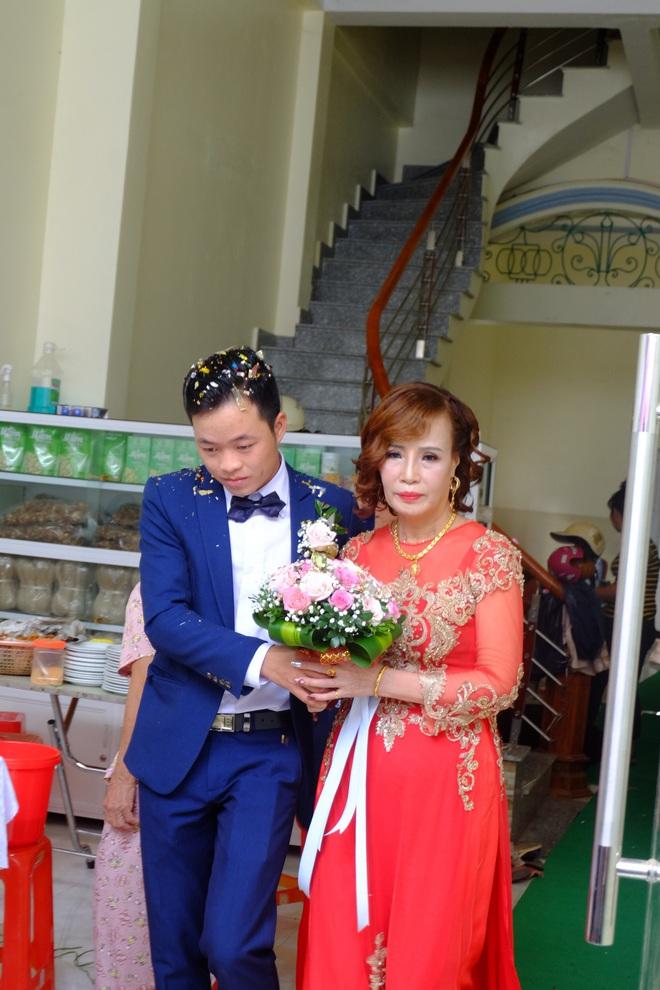 Cận cảnh lễ thành hôn đặc biệt của cô dâu 61 tuổi với chú rể 26 tuổi ở Cao Bằng - Ảnh 8.