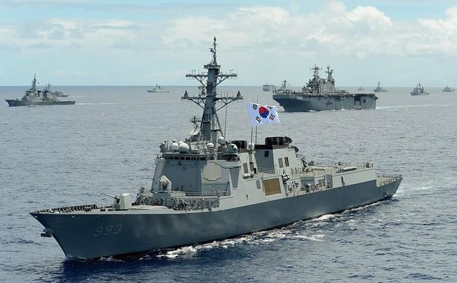 Ảnh: Sức mạnh đáng gờm của tàu khu trục Sejong Đại đế