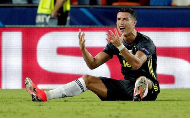 Ronaldo chính thức nhận phán quyết về tấm thẻ đỏ tại Champions League