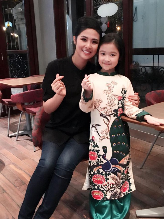 Cuộc sống sang chảnh của cô bé 10 tuổi gây sốt đêm chung kết Hoa hậu Việt Nam - ảnh 7