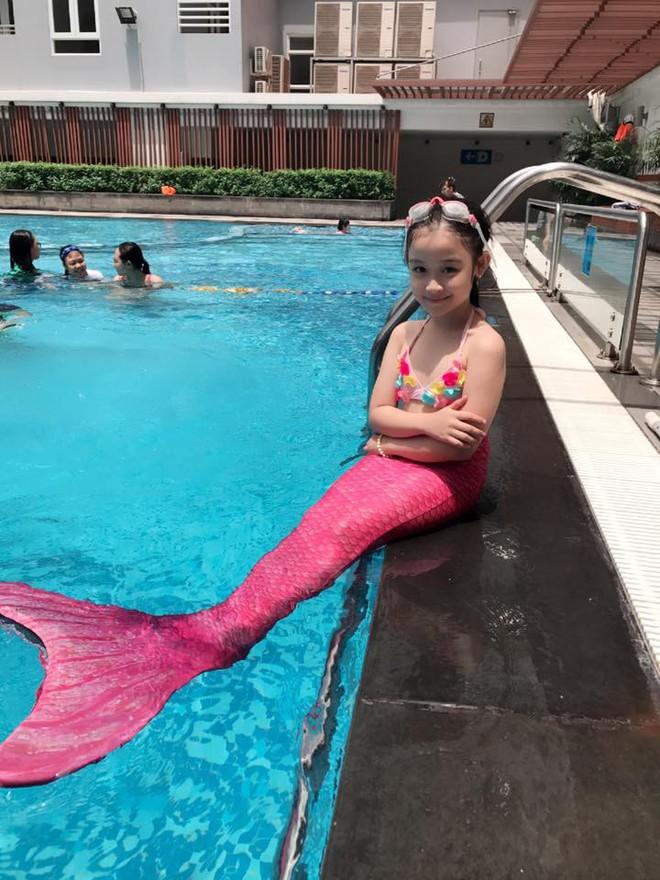 Cuộc sống sang chảnh của cô bé 10 tuổi gây sốt đêm chung kết Hoa hậu Việt Nam - ảnh 10