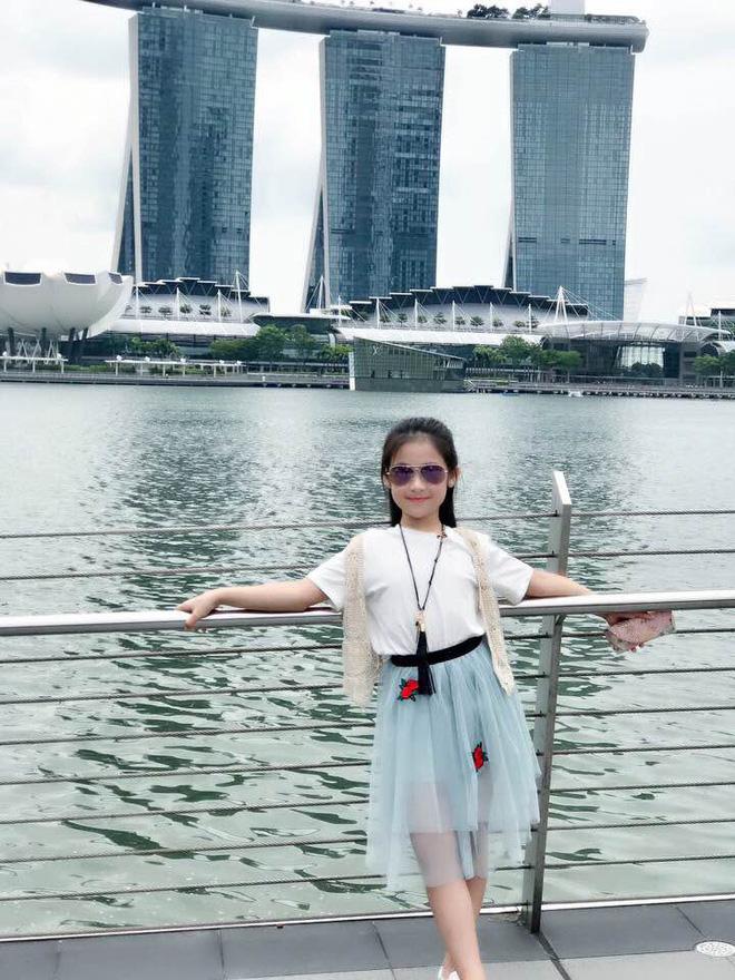 Cuộc sống sang chảnh của cô bé 10 tuổi gây sốt đêm chung kết Hoa hậu Việt Nam - ảnh 12