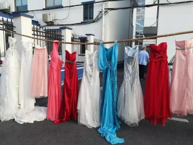 73 chiếc váy cưới lần lượt mất tích bí ẩn và lời trần tình dở khóc dở cười của tên trộm sau khi bị cảnh sát tóm gáy - Ảnh 2.