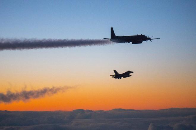 Thảm kịch IL-20: Không, ngàn lần không! Nga đừng chuyển giao tên lửa S-300 cho Syria - ảnh 1