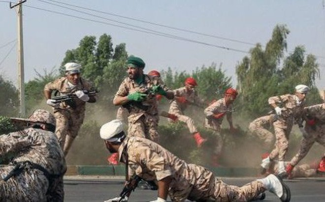 """Vụ tấn công đẫm máu trong lễ duyệt binh: Iran cáo buộc Mỹ-Israel, thề tung đòn """"trả thù chết chóc"""""""