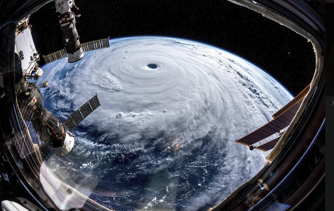 Hình ảnh mắt bão khổng lồ của siêu bão do Việt Nam đặt tên - nhìn từ Trạm Vũ trụ Quốc tế - Ảnh 4.