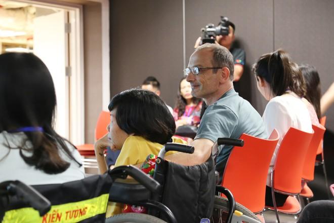 Vì một câu nói, chàng kỹ sư người Úc nghỉ việc sang Việt Nam: Ngã rẽ của định mệnh - Ảnh 4.