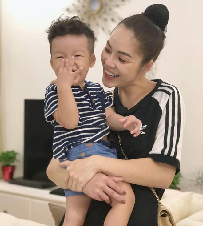 Những mỹ nhân Việt không màng tài sản của chồng cũ sau khi ly hôn - ảnh 1