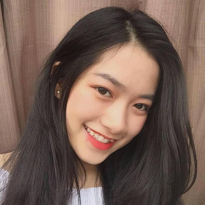 Nữ sinh Việt được xin link rần rần vì sở hữu góc nghiêng đầy khí chất - Ảnh 2.