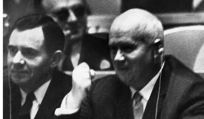 Trong lịch sử LHQ, có 7 khoảnh khắc còn bá đạo hơn tràng cười chế nhạo TT Trump - Ảnh 1.