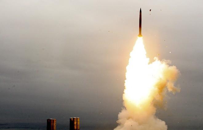 Trời Syria thành hỏa ngục: Israel thách thức, quyết hủy hoại danh tiếng tên lửa S-300? - Ảnh 1.