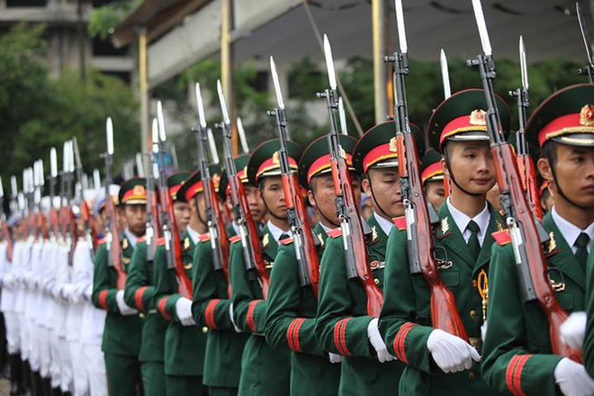 Xe tang đưa linh cữu Chủ tịch nước Trần Đại Quang về quê hương Ninh Bình - Ảnh 66.