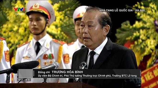 Xe tang đưa linh cữu Chủ tịch nước Trần Đại Quang về quê hương Ninh Bình - Ảnh 61.