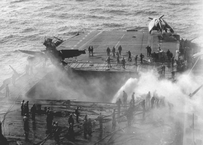 """Hành trình """"sống sót"""" của tàu sân bay USS Enterprise qua Thế chiến II - ảnh 8"""