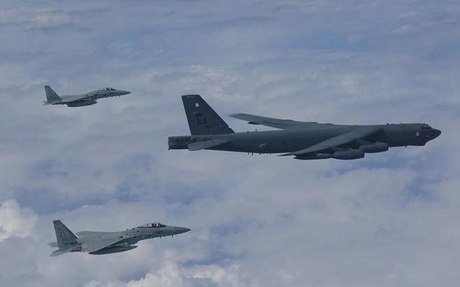 Ảnh: B-52 của Mỹ bay qua Biển Đông hai lần trong một tuần - ảnh 3