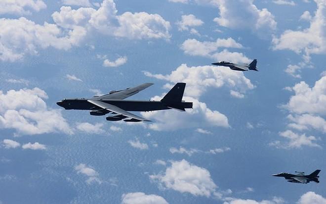 Ảnh: B-52 của Mỹ bay qua Biển Đông hai lần trong một tuần - ảnh 4