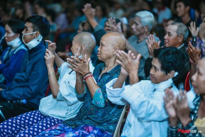 Ngọc Sơn lần đầu tổ chức lễ nhận con nuôi Duy Cường tại chùa - Ảnh 13.