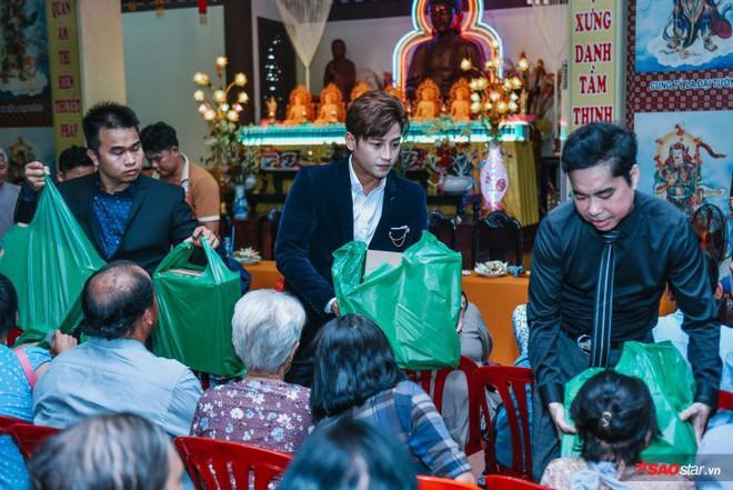 Ngọc Sơn lần đầu tổ chức lễ nhận con nuôi Duy Cường tại chùa - Ảnh 20.