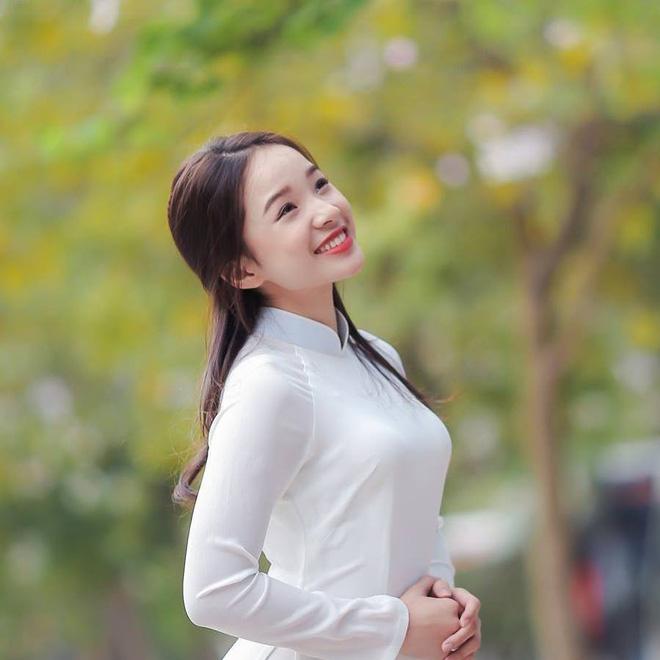 Nhan sắc con gái ruột là hoa khôi của nghệ sĩ Thanh Thanh Hiền - Ảnh 9.