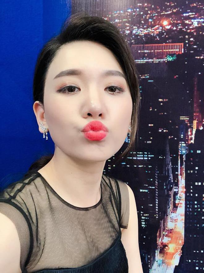 Hari Won - Nhã Phương: Vợ của 2 danh hài hot nhất showbiz Việt lại có 1 điểm chung nhan sắc mà không phải ai cũng biết - Ảnh 24.