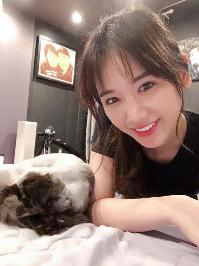 Hari Won - Nhã Phương: Vợ của 2 danh hài hot nhất showbiz Việt lại có 1 điểm chung nhan sắc mà không phải ai cũng biết - Ảnh 7.