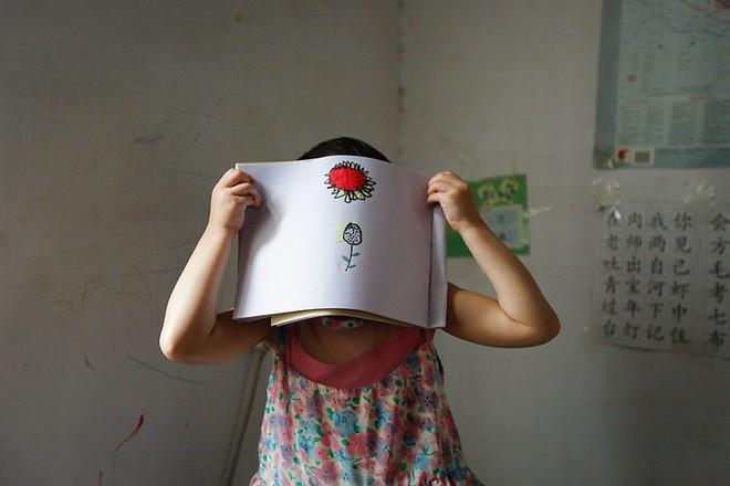 Những buổi thẩm tra đầy áp lực với các trẻ em bị xâm hại tình dục ở Trung Quốc: Ai đã hại cháu? Cháu đã bị chạm vào đâu? - Ảnh 1.