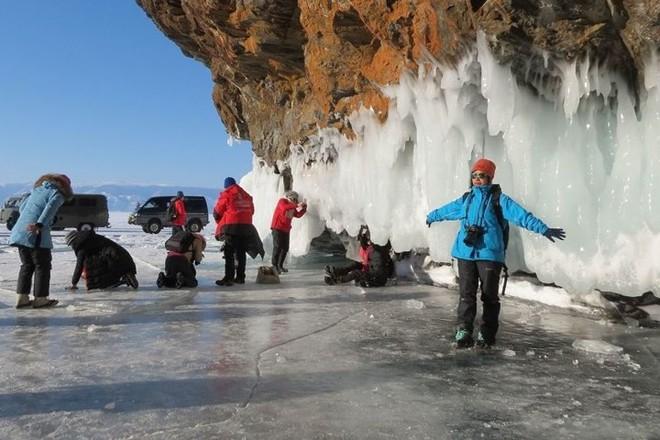 Ảnh: Vẻ đẹp mát lạnh, trong vắt của hồ Baikal ở Siberia (Nga) - Ảnh 14.