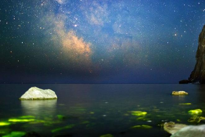 Ảnh: Vẻ đẹp mát lạnh, trong vắt của hồ Baikal ở Siberia (Nga) - Ảnh 10.