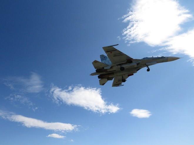 Cảnh tượng hiếm gặp tại sân bay thử nghiệm của Nga - ảnh 2