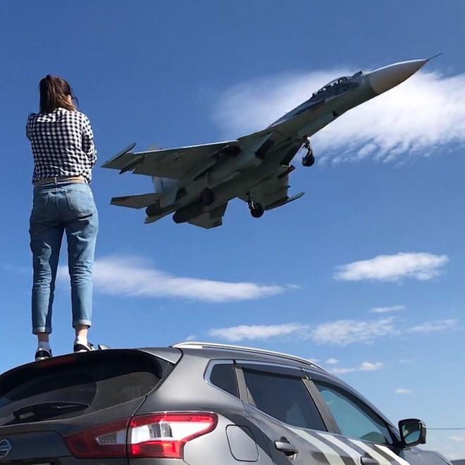 Cảnh tượng hiếm gặp tại sân bay thử nghiệm của Nga - ảnh 3