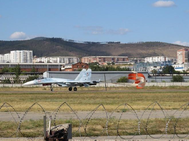 Cảnh tượng hiếm gặp tại sân bay thử nghiệm của Nga - ảnh 5