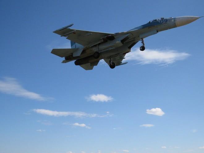 Cảnh tượng hiếm gặp tại sân bay thử nghiệm của Nga - ảnh 8