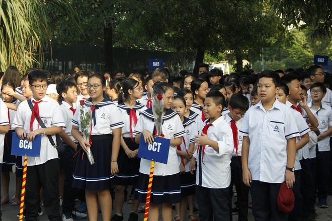Mùa khai giảng đầu tiên vắng bóng nhà giáo Văn Như Cương của thầy trò Lương Thế Vinh - Ảnh 1.