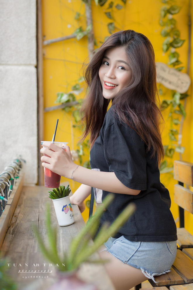 Nhan sắc xinh đẹp và thông tin hiếm hoi về hot girl kiêm MC Cao Vy - Ảnh 8.