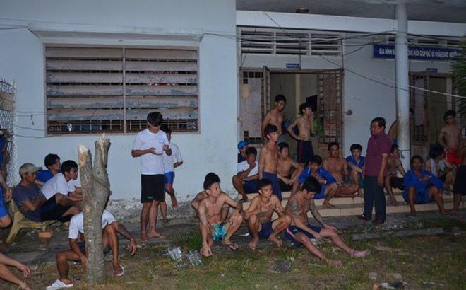 100 học viên đập phá, bỏ trốn khỏi trung tâm cai nghiện ở miền Tây