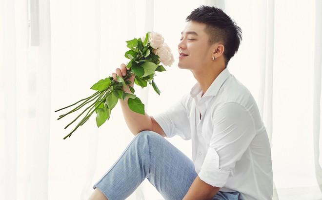 """Ca sĩ Hồng Dương tung ca khúc mới """"Yêu để cưới"""""""