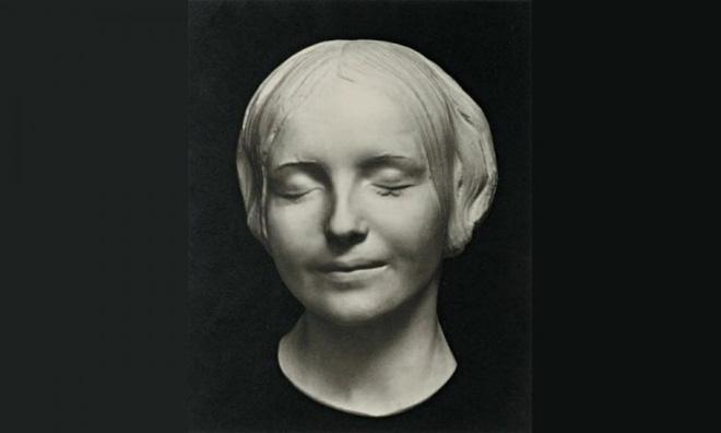 Bí ẩn về nàng Mona Lisa của sông Seine - người phụ nữ được hôn nhiều nhất thế giới - Ảnh 1.