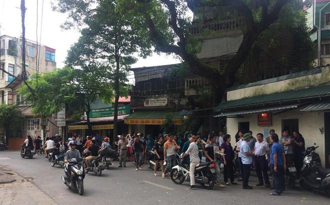 [Nóng] Chung cư cao tầng rung lắc sau động đất ở Hà Nội, cư dân hoảng loạn tháo chạy