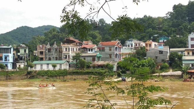 Bác sĩ giết vợ phi tang xuống sông: Vợ sắp cưới từng bỏ vì vũ phu, vợ cũ bỏ vì bị bạo hành - ảnh 2