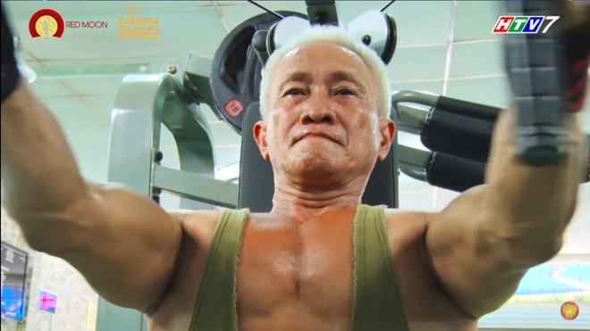 Cụ ông 62 tuổi khiến MC Quyền Linh phát ngượng, Ốc Thanh Vân suýt khóc - Ảnh 1.